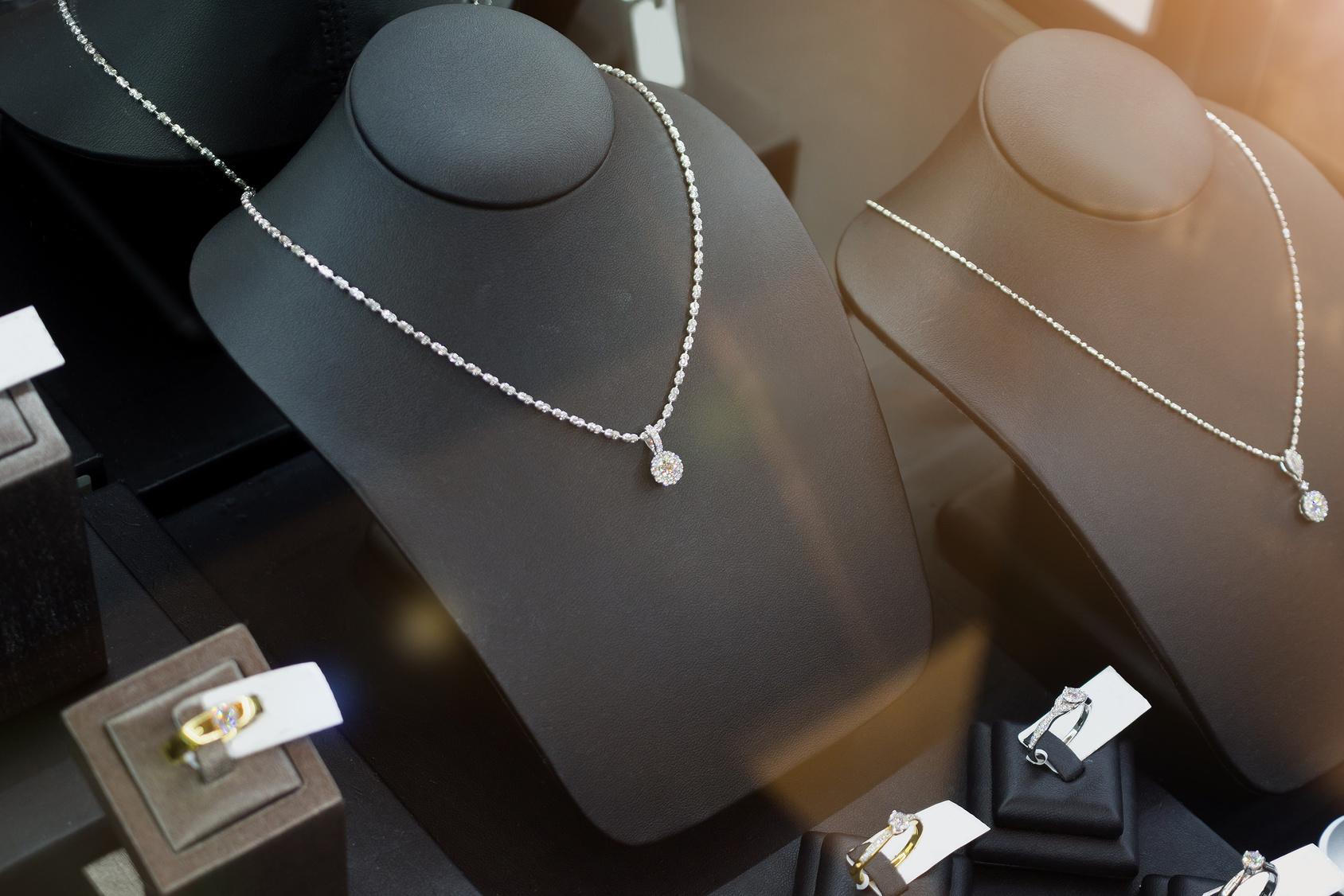 Dlaczego łańcuszki ze srebra są tak popularne?
